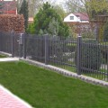 Zaun Berlin gerade, in Farbe DB 703 eisenglimmer